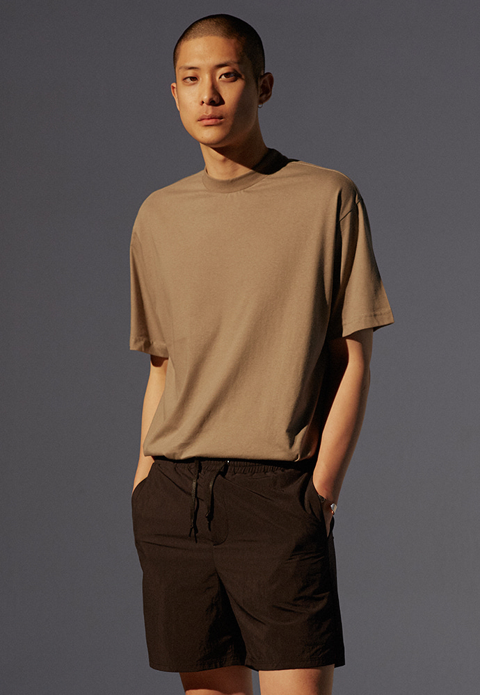 Signature Mock-Neck T-Shirt_ Olive